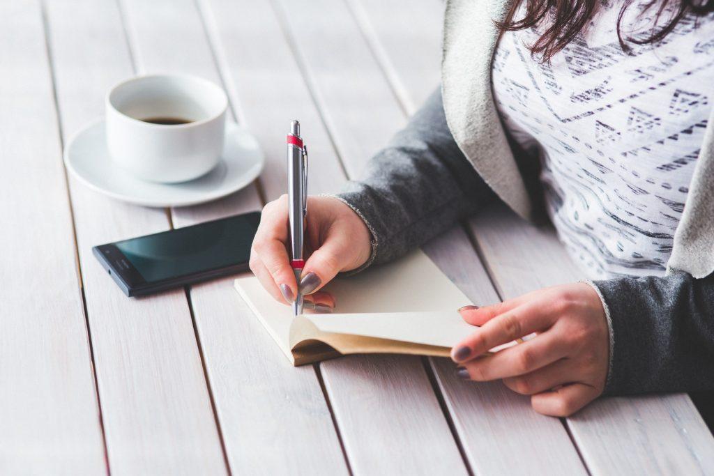 Escribir, poner palabras a nuestro universo Emma Ribas