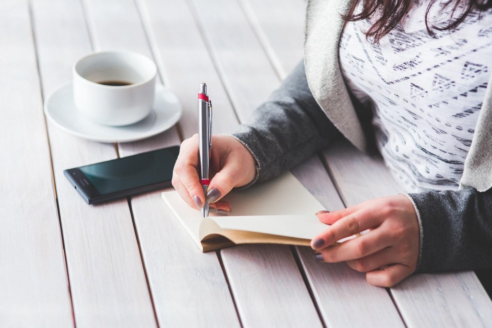 Escribir, poner palabras a nuestro universo