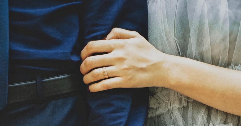La esclavitud del apego: relaciones de pareja insanas